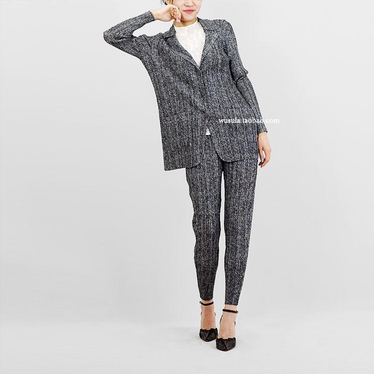 MIYAKE Langarm Turndown Collar Single-Breaked Mantel + Kleine Füße Hosen Print Anzug Auf Lager Damen Zwei Stück