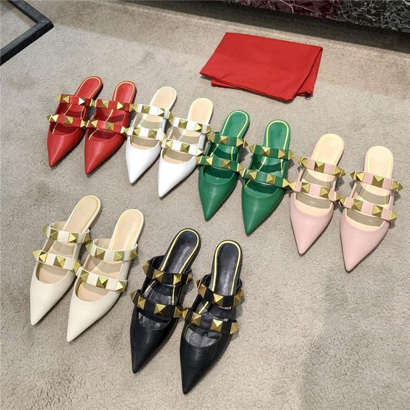 2021 Classics Femmes Sandales Sandales pointues Rivets Pantoufles Pompes nues Haute Talons Sandal Bretelles Sandales Spikes Slipper Véritable Chaussures en cuir avec boîte