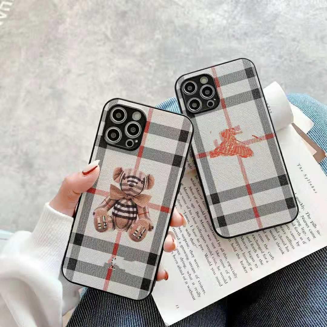 Famosas estuches de teléfono de la marca de Inglaterra para iPhone 12 PROMAX 12PRO 11 XS MAX XR X 8 Plus vienen con caja