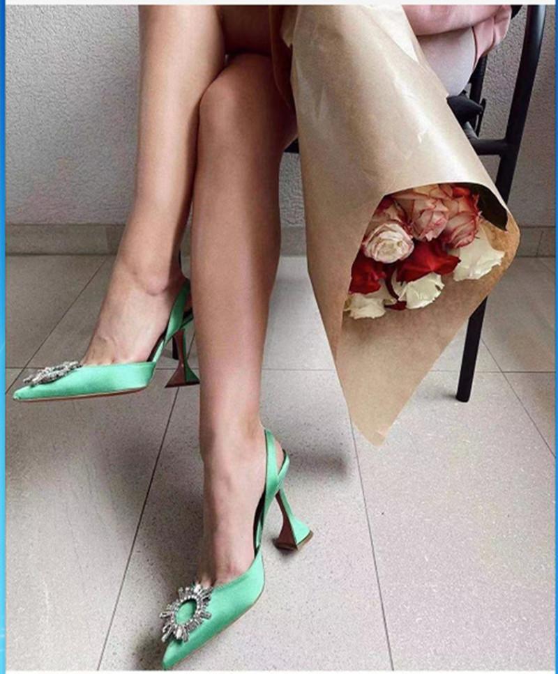 2021 ماركة النساء مضخات الفاخرة الكريستال slingback عالية الكعب الصيف العروس أحذية مريحة مثلث بكعب أحذية الزفاف أحذية الزفاف sdgkhsakldg
