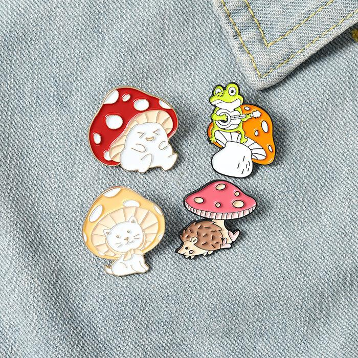 Cute Mushroom pins brooches Cartoon Animal Enamel Brooch Lapel pin suit badge fashion jewelry for women children will and sandy