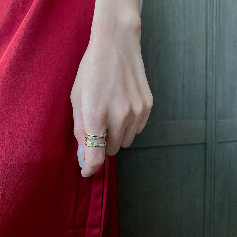 Avanzado Sense Zircon Metal Cross Gold Anillos de apertura Joyería gótica para mujer Accesorios de moda coreanos Chicas Anillo de lujo Set