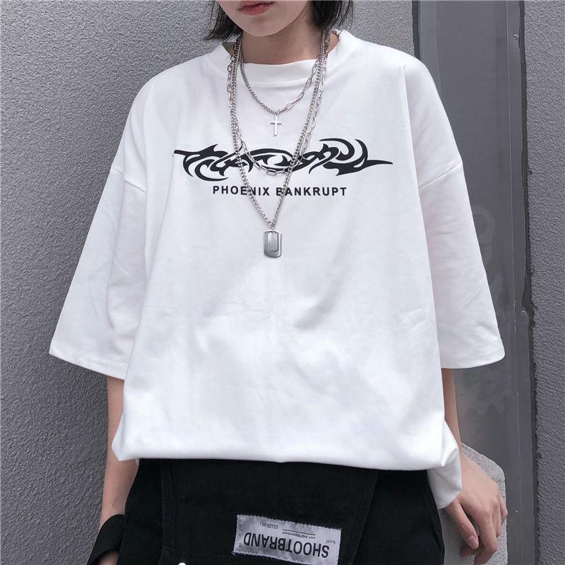 Moon Graphic Letter Print Loose T Shirt Black White Hip Hop Casual Tee T-Shirt Top Harajuku Streetwear Korean Women Man Fashion Women's