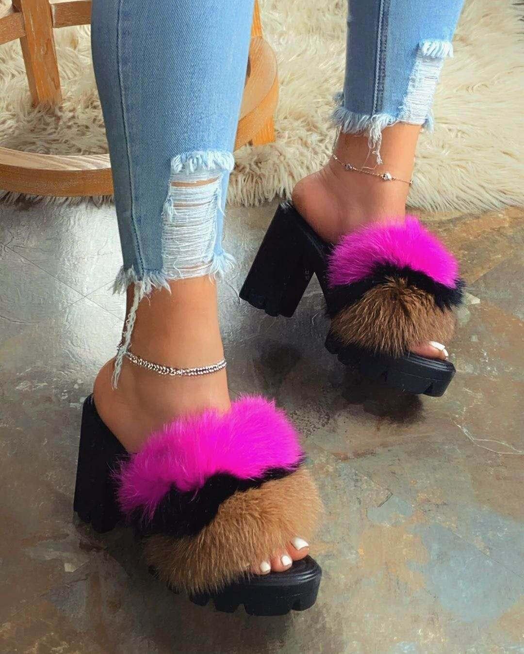 2020 Sexy Color Amplio tacón alto zapatillas de felpa Sandalias de gran tamaño de las mujeres