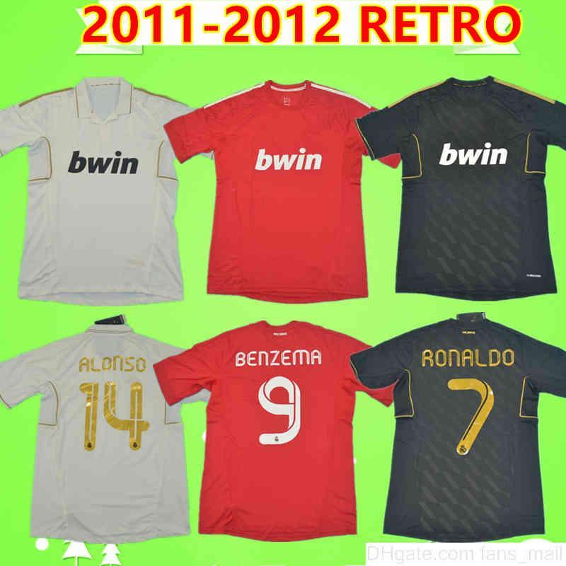 Ronaldo higuain benzema kaka pepe sergio ramos 2012 real madrid retro fußball jersey 11 12 vintage fußball hemd einheitlich dritter rot schwarz weiß