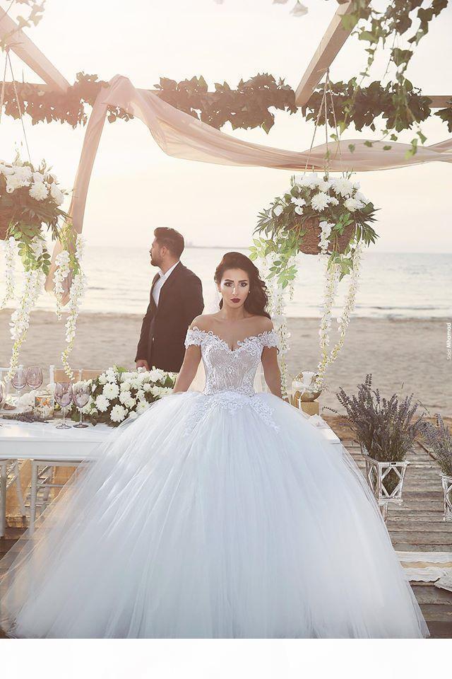 2021 Beyaz Balo Tül Prenses Gelinlik Lace Up Dantel Aplike Suudi Arablı Omuz Kapalı Omuz Kapalı Omuz Kapalı Suudi Arab