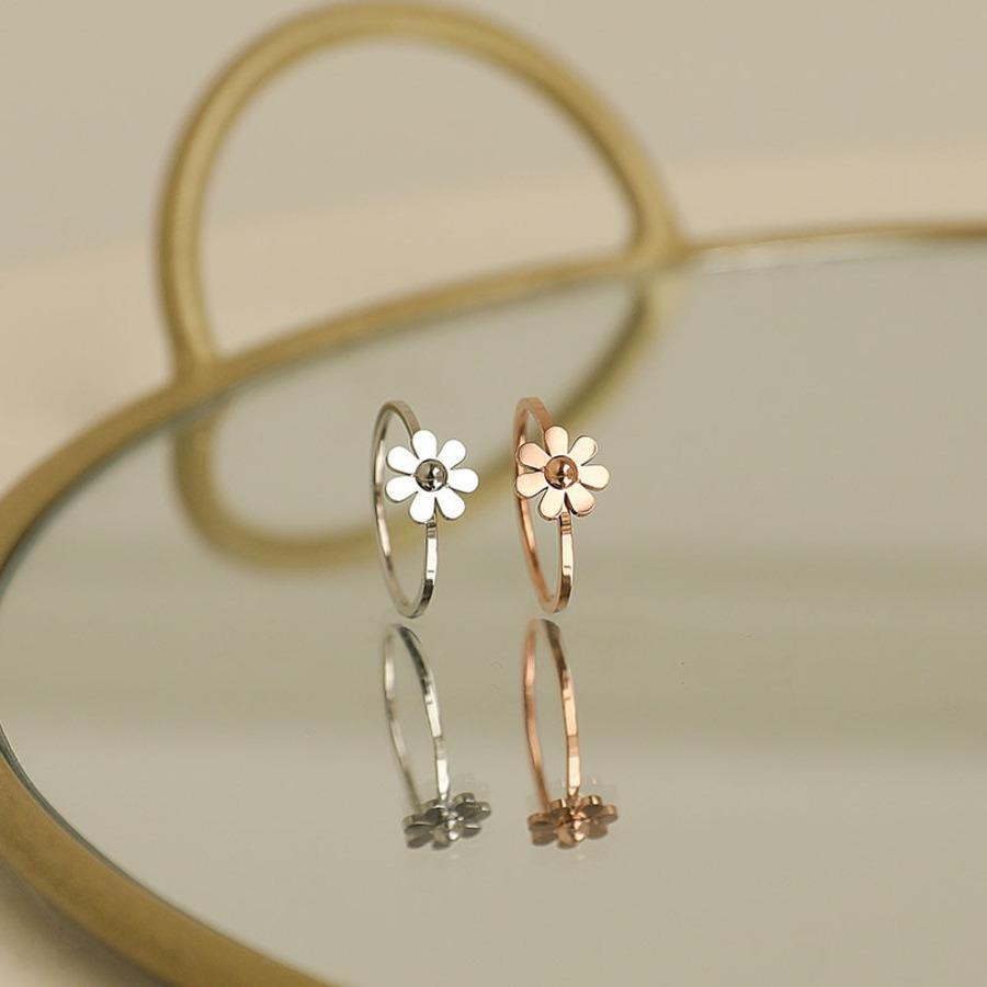 Japonés y coreano Simple Daisy Ring Femenino Acero de Titanio 18k Oro Rosa Pequeño Pequeño Moda Fresco Indice personalizado Moda Bab3