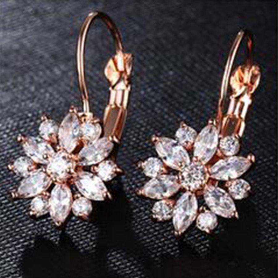 Boucles d'oreilles en cristal de fleurs japonaises et de mode en cristal coréen incrusté de bijoux à boucle de flocon de neige diamant 2T49