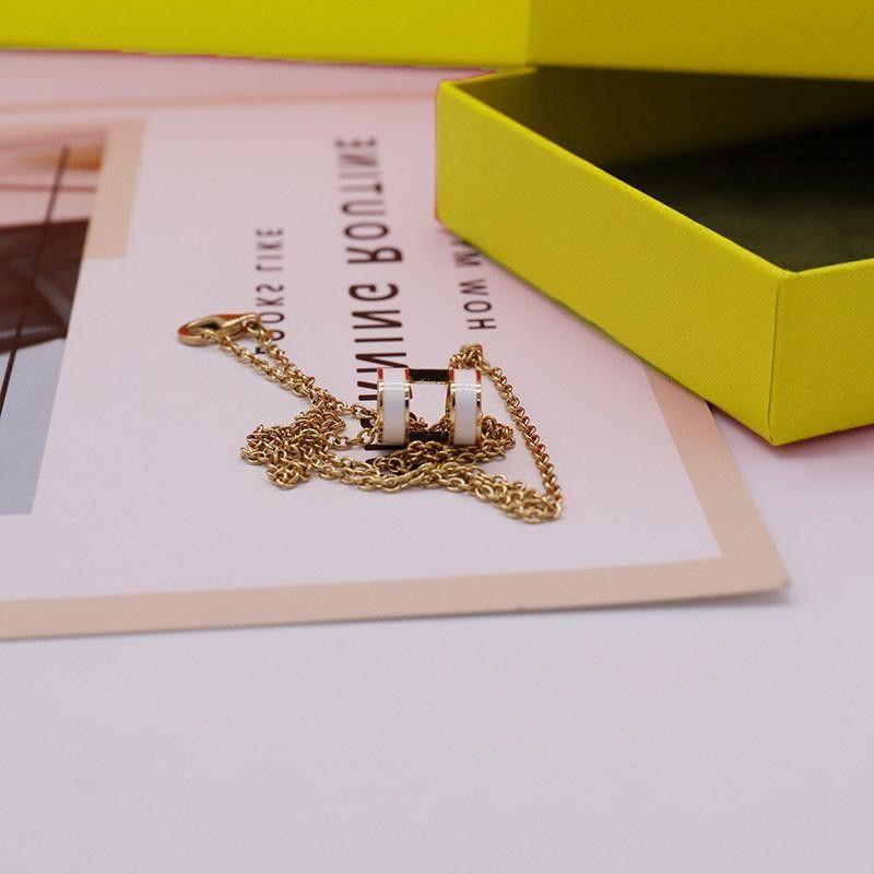 Mode Street 316L Pendentif en acier Titanium Color Colliers perles pour homme et femme Couples Collier Multicolor Bijoux Amoureux de la qualité