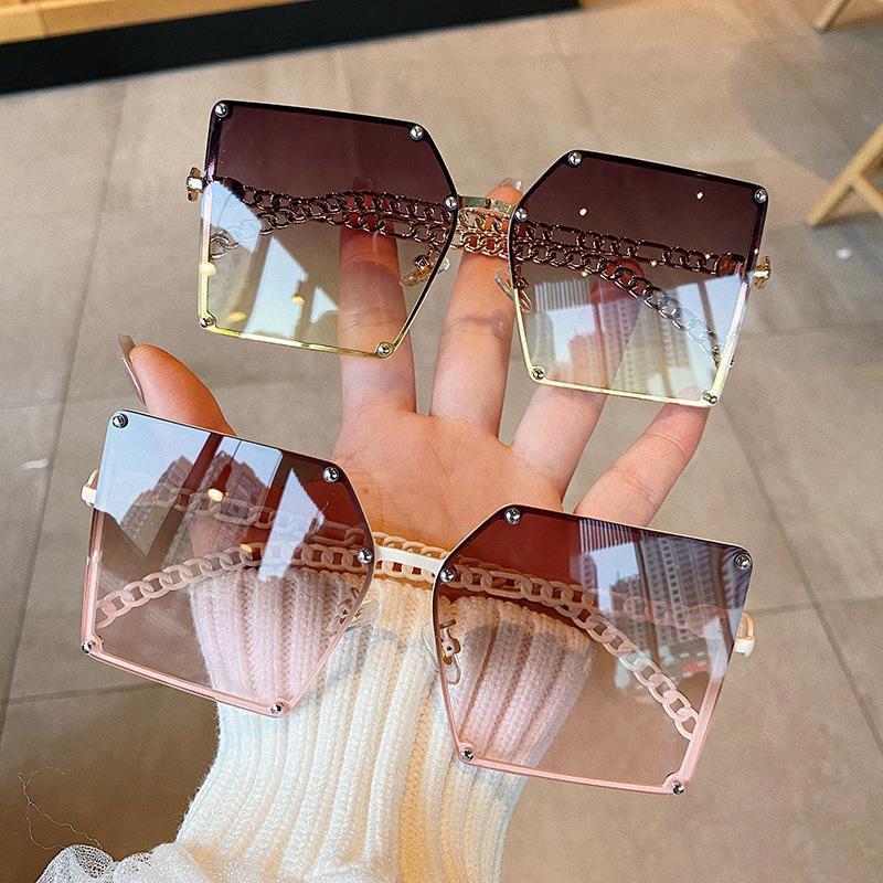 Tasarımcı Kare Güneş Kadınlar Vintage Büyük Boy Güneş Gözlükleri Kadının Alaşım Zincir Çerçevesi için Açık Yaz Shades UV400