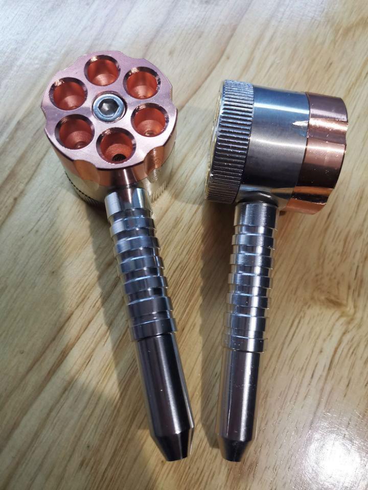 Tubo di fumo in metallo con smerigliatrice sei tubo sparatutto con smerigliatrici Due funzione tabacco tubo e erba smerigliatrice mobshop vendita