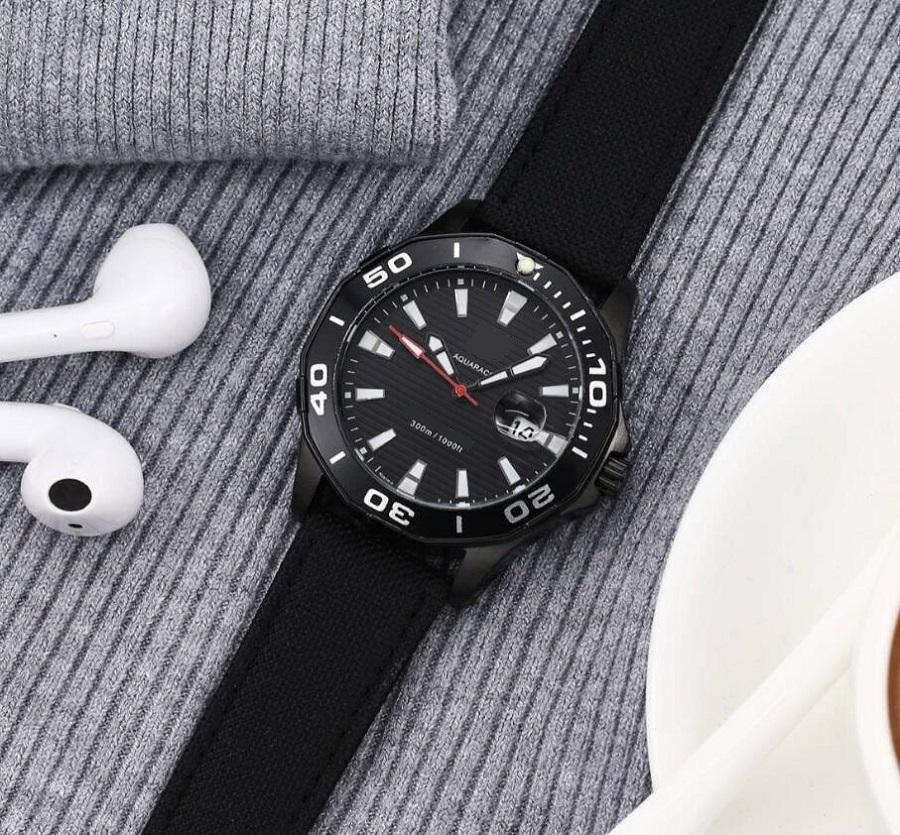 Automatico cronografo zaffiro orologio da appoggio in cristallo DATA DISPLAY STAGE DA PORTATORE DOMING Blog