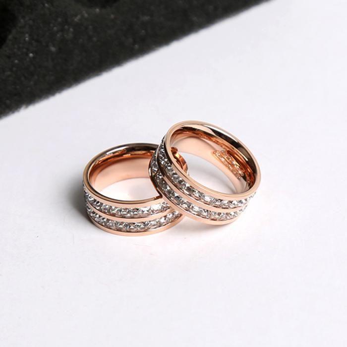 여성 유행 깊이 8 mm 더블 레벨 스톤 로즈 골드 메탈 약혼 방울 선박 결혼식을위한 티타늄 스틸 라인 석 반지