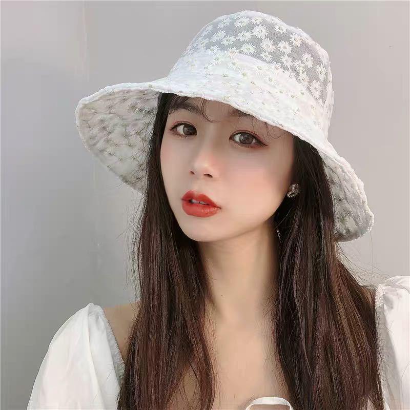 Japanese Daisy Bordado Bordado Fisherman's Sombrero delgado Verano Protección solar Lace Corea del Sur Versión Staoth explotó Sombreros Anciales