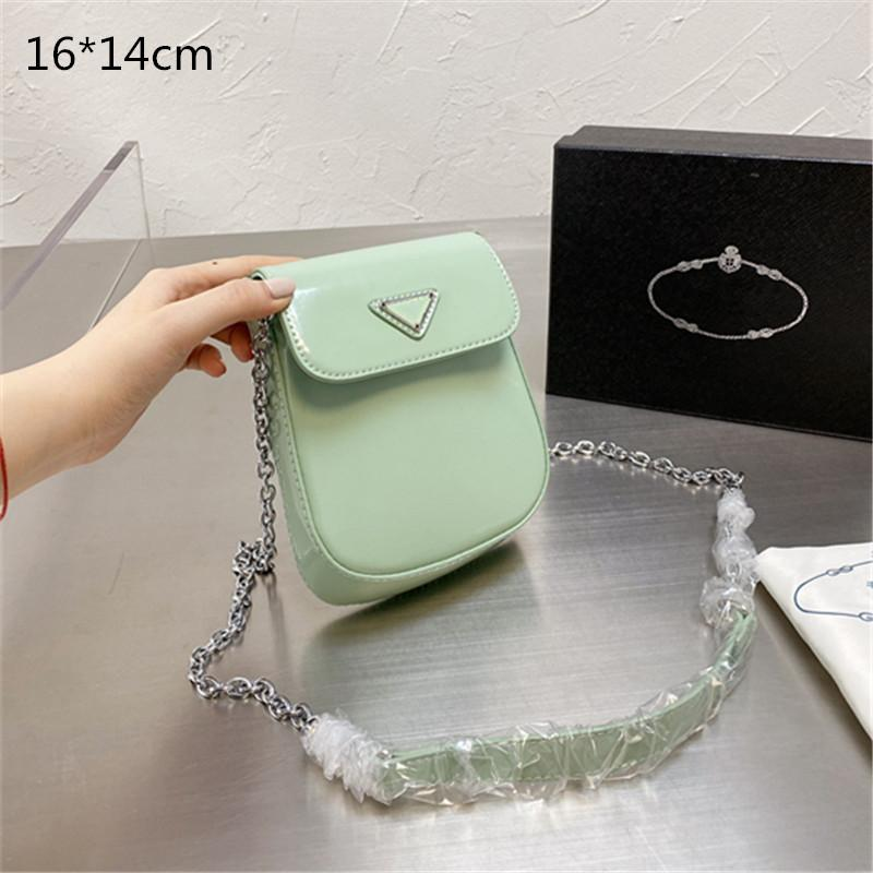 2021 Unisex Mini Phone Chain Bags Men Women Designers Crossbody Luxury Change Purses Fashion Summer Single Shoulder High Quality Flaps with Triangle Hasp 4 Colors