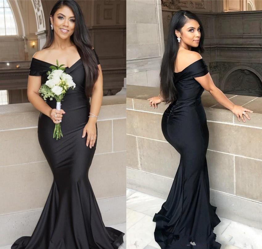 2021 Schwarze Meerjungfrau lange Brautjungfer Kleider plus Größe aus der Schulter bodenlangen Gartenmädchen der Ehre Hochzeit Gästekleid