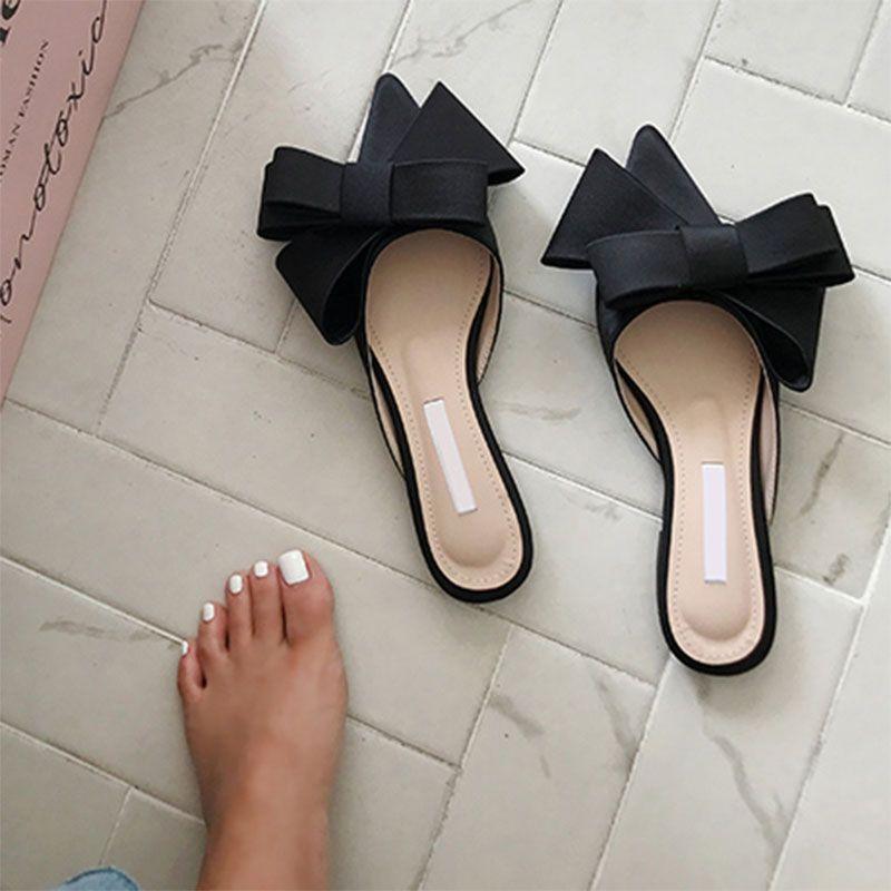 2021 Весна и летние женские туфли Корейский шелковый атлас острые галстуки бабочки тапочки Baotou Flat STALE SEMI тапочки