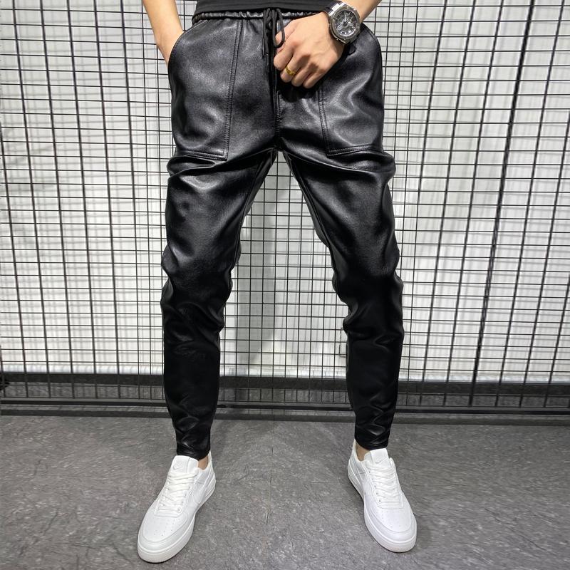 Pantaloni da uomo Arrivi invernali Spessa calda PU Cuoio in pelle PU Abbigliamento uomo 2021 Semplice grande tasca antivento pantaloni casual nero Plus Size 40
