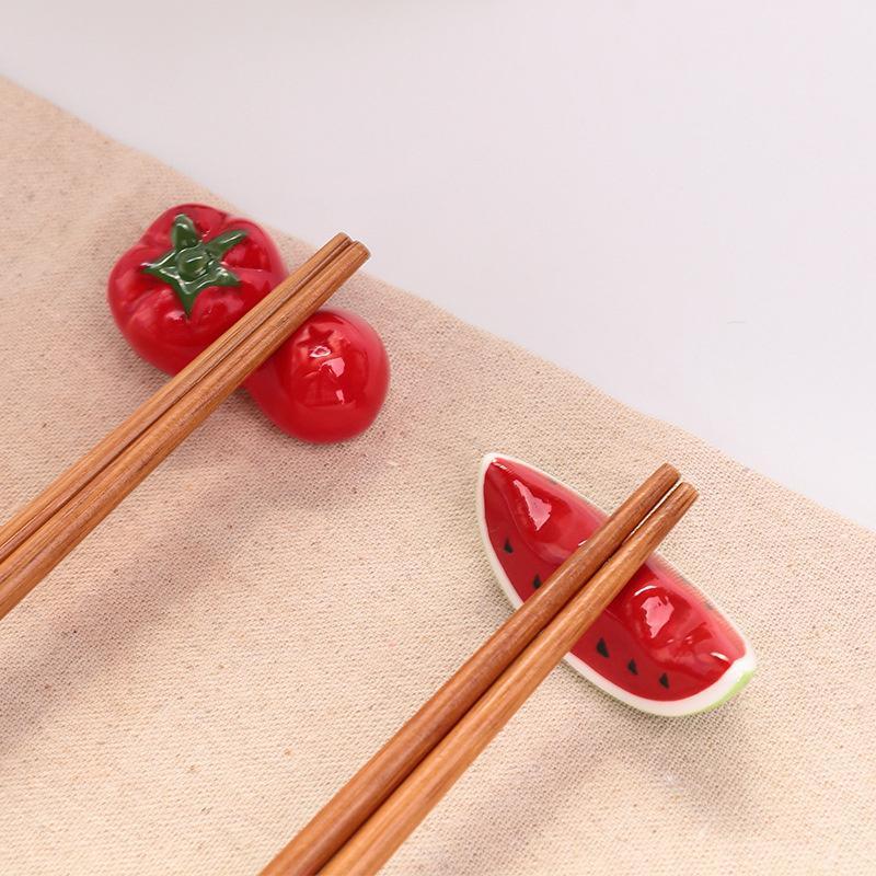 1 stücke kreative rot wassermelone tomate keramikstäbchen halter niedliche obst- und pflanzliche ornamente küche geschirr lagerständer