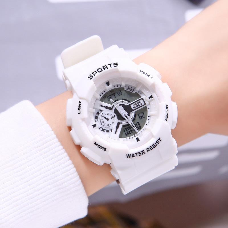 2021 Series al aire libre Amantes coreanos japoneses Chicos y niñas Deportes Reloj de alarma de moda Doble pantalla electrónica