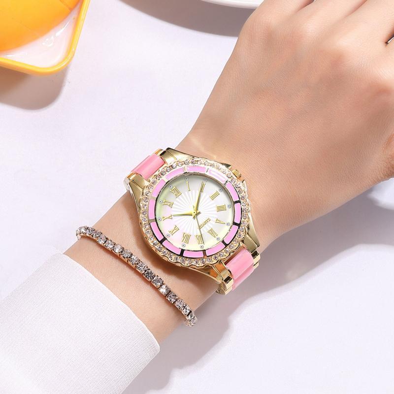 Kadın Saatler Moda Küçük Exquisite Avrupa Tarzı Güzellik Eğlence Bilezik İzle Takım Noel Hediyesi Orologio Donna Relogio Saatı