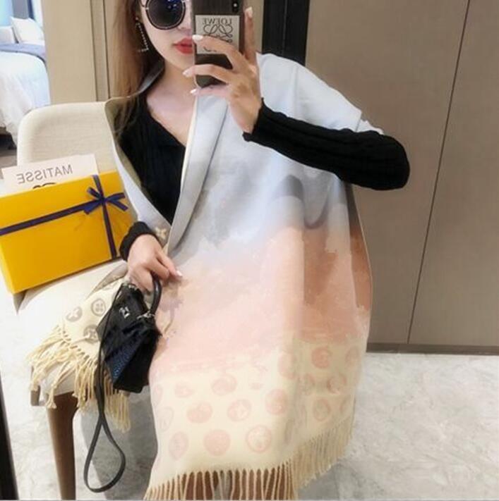 Дизайнерский шарф Высокоцветные женские шарфы теплые воротник шейный платок Высокое качество напечатанные кашемировые шелковые шарфы размером 180 * 70см
