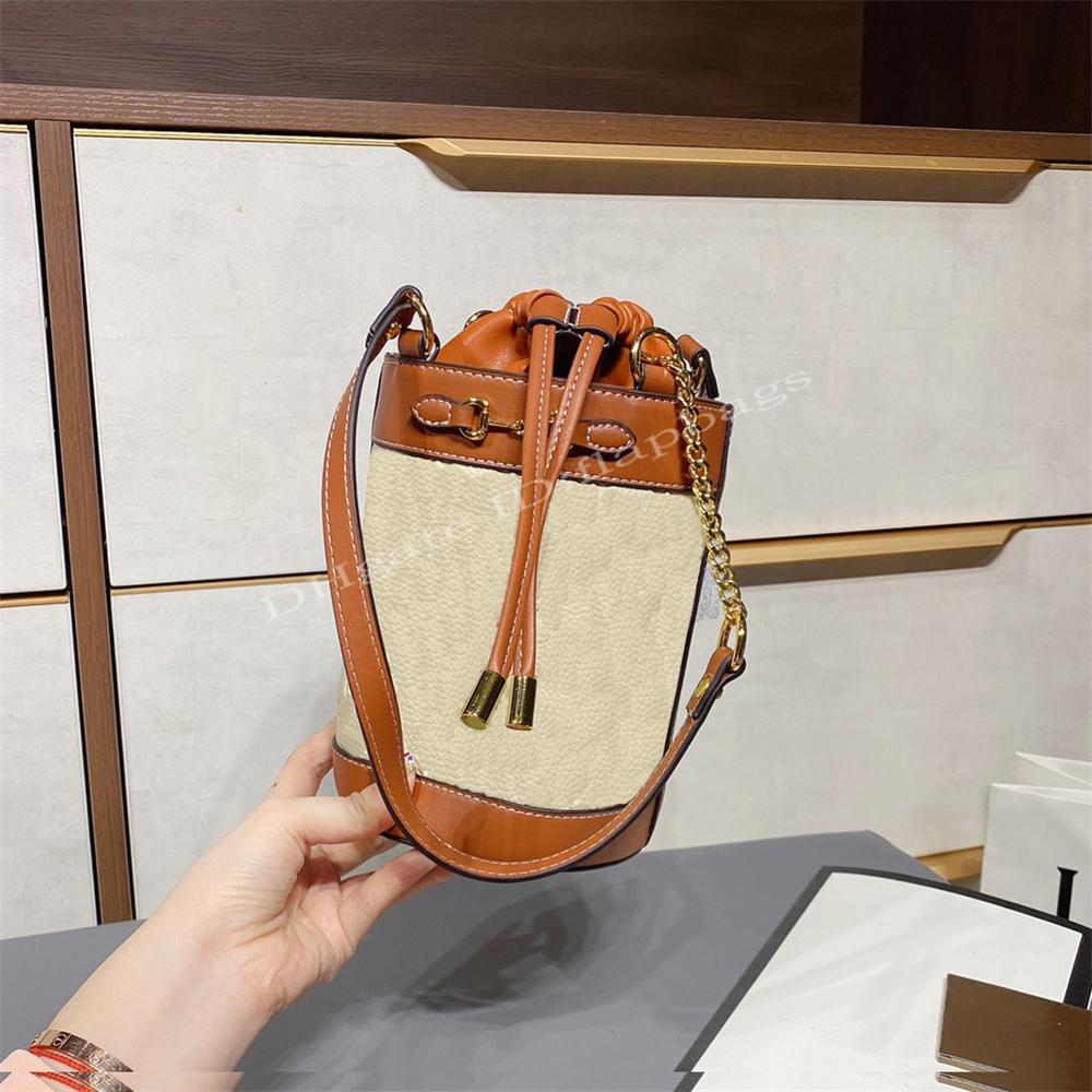 Femmina 2021 Designer di moda di lusso Borsa 1955 Benna di cavallo Borse a cavallo Cintura per fibbia a cavallo Una borsa ascella a spalla stampa termica corpo trasversale