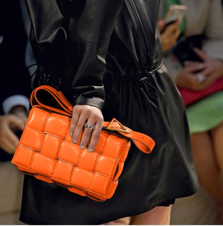 2021 SS Lady Bags Damen Single Umhängetasche Handtasche Top Qualität Gold Finish Metall Handtaschen Frauen Mode Klassische Wild Crossbody Cross Body-Bag