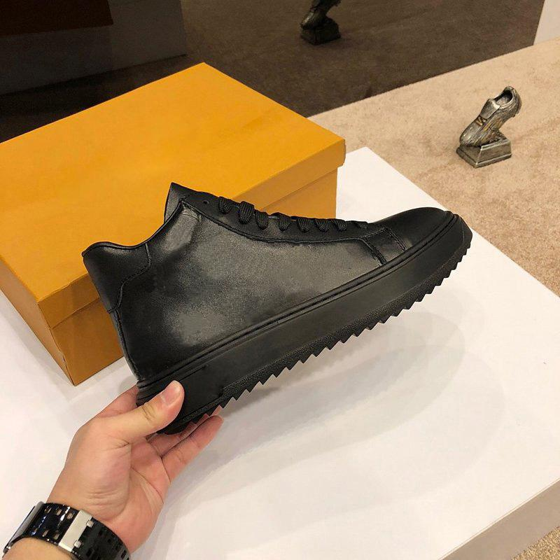 Scarpe da uomo classica Real in pelle Leather Women Luxurys Designer Designer Sneakers Mocassini Lace Up High Top Fashion Desginer Scarpe da uomo Scarpe da uomo con scatola Dimensione 38-45