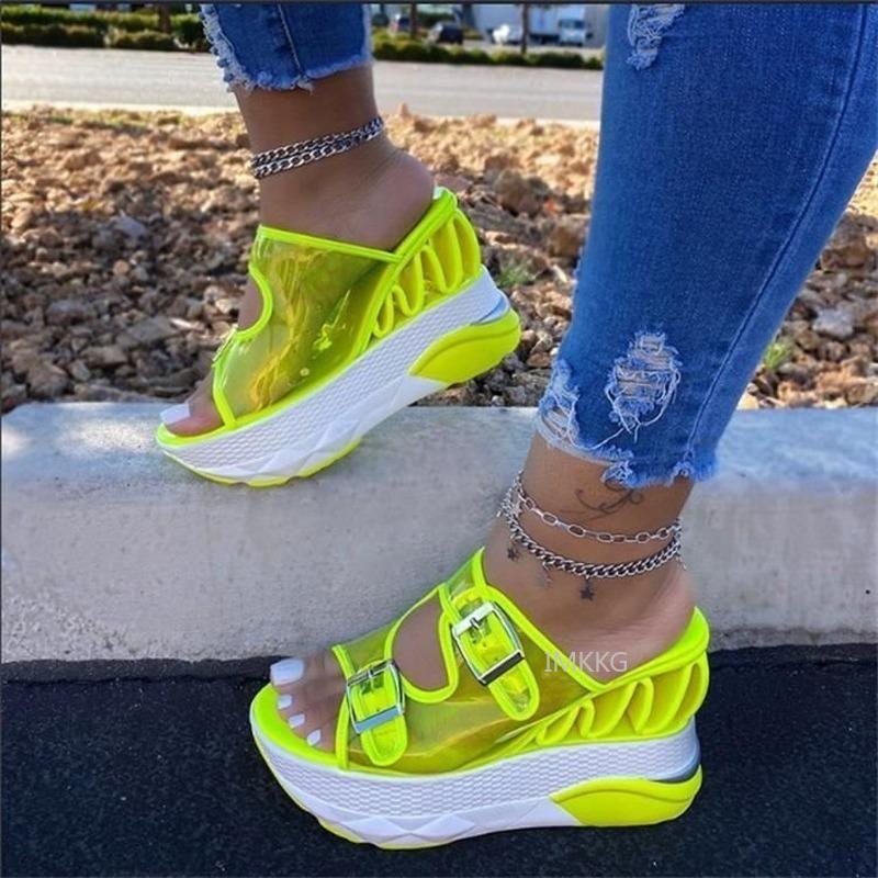Sandali da donna Pantofole 2021 PVC Platform Summer Tacchi alti Giallo Luxury Transparentes Femme Scarpe Zapatos Plataformma Mujer
