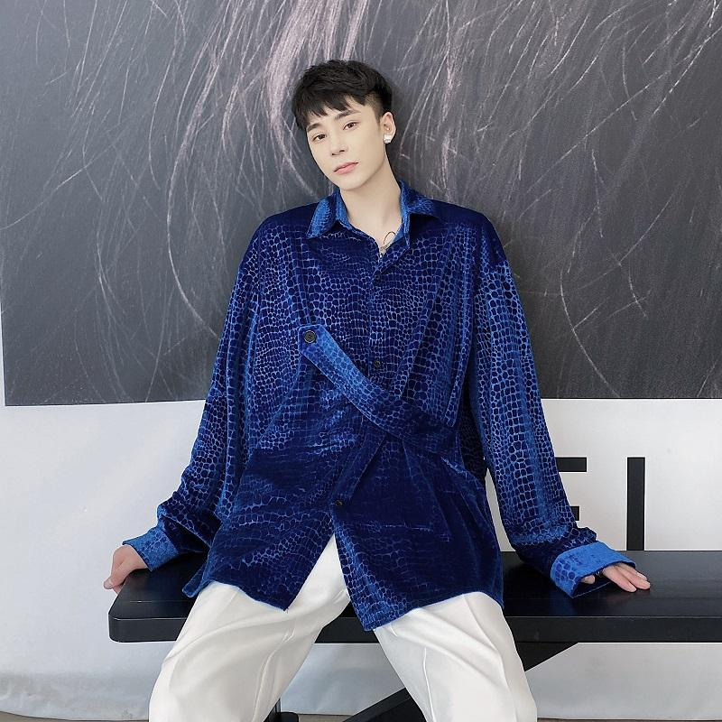 무대 의류 남자 악어 패턴 레트로 벨벳 느슨한 캐주얼 긴 소매 셔츠 남성 streetwear 빈티지 패션 남자 셔츠