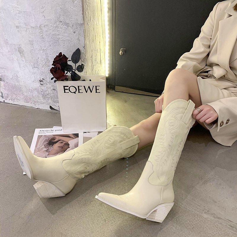 2021 الأزياء الاتجاه تنقش ستوكات جلد النساء الأحذية أشار تو الغربية رعاة البقر أحذية النساء الكعك جودة عالية الأحذية