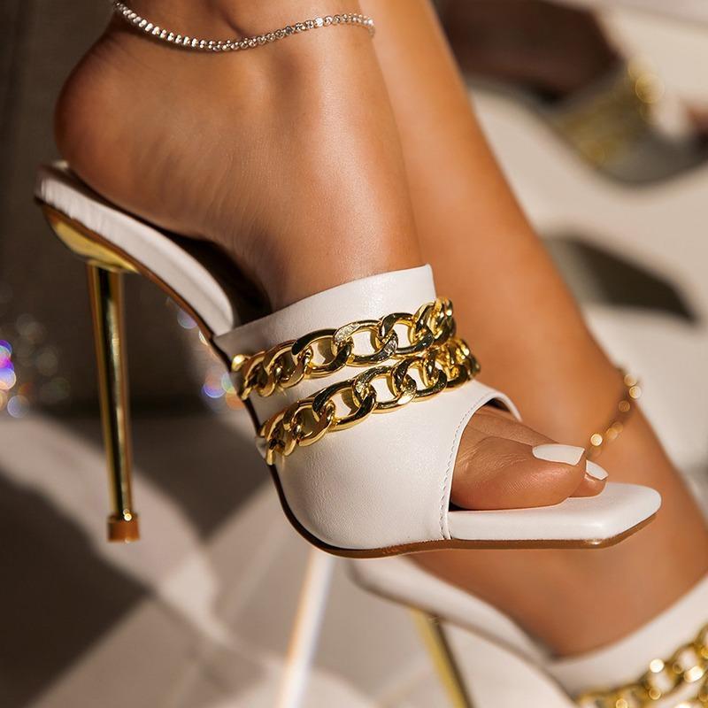 2021 Verão Elegante Mulheres Chinelos de Moda Novos Metais Corrente Decoração Alta Ganchos Muileza Slides Bombas Quadrado Teen Ladies Shoes