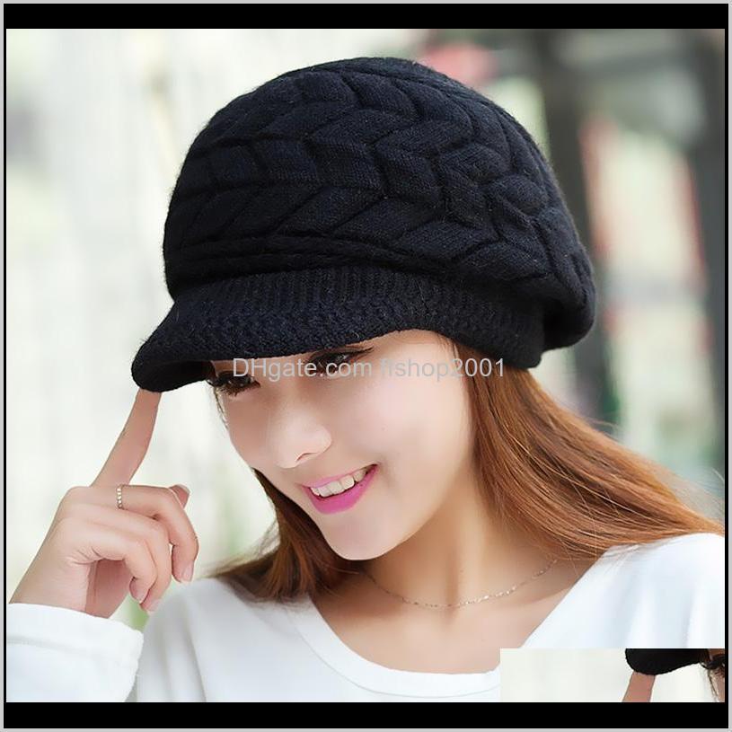 قبعة / قبعات الجمجمة، والأوشحة قفازات الأزياء العسكريات بيني متماسكة إمرأة الشتاء القبعات للنساء السيدات قبعة الفتيات skullies قبعات بوني نت