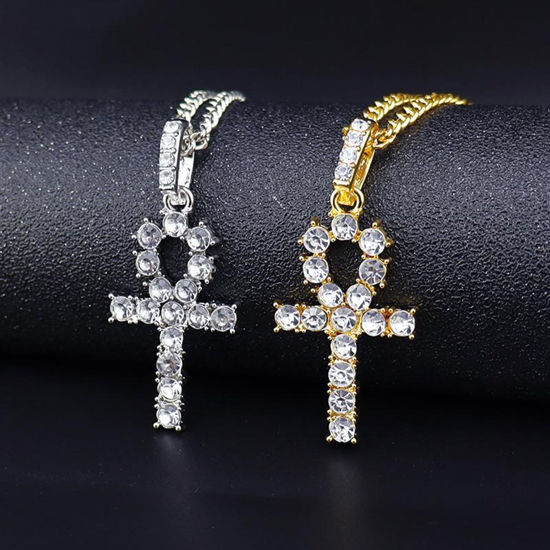 الأزياء الإناث الصليب المعلقات الذهب والفضة اللون المقاوم للصدأ يسوع قلادة قلادة مجوهرات للرجال / النساء طوق حزب القلائد