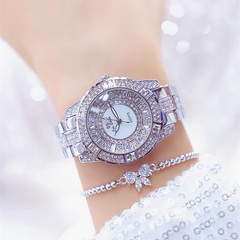 Montres-bracelets Sliver Women Regardez Bling Diamond Diamond Damife Quartz Acier inoxydable Horloge femelle imperméable à la fille