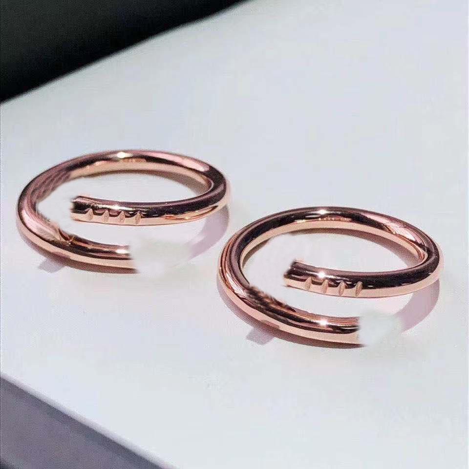Classic luxury screw ring fashion nail rings with diamonds in the head and tail exquisite packaging gift box