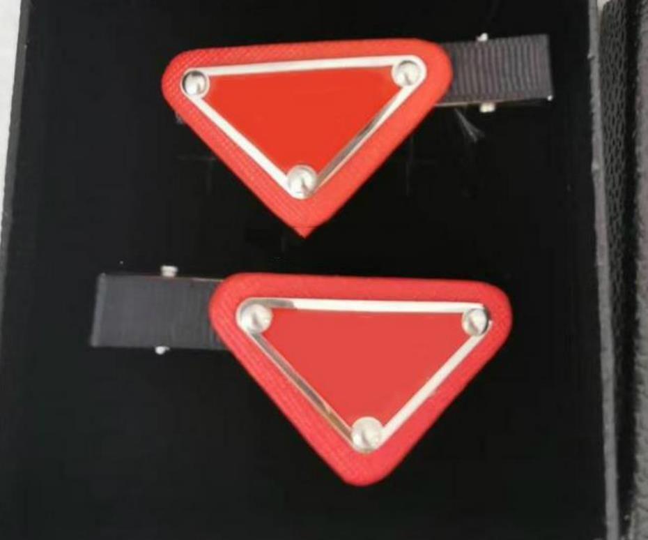 새로운 도착 삼각형 헤어 클립 스탬프 4 색 여성 편지 삼각형 Barrettes 패션 헤어 액세서리 선물