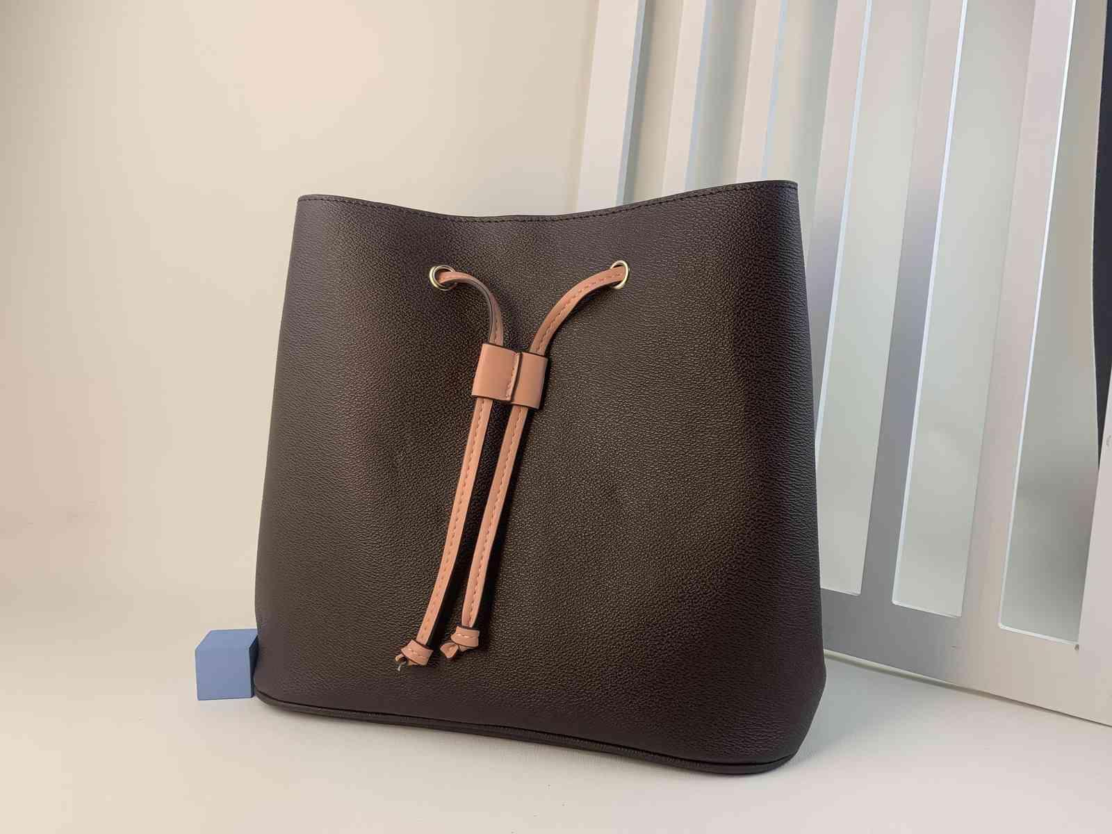2022 Женская кожаная сумка на плечо роскошки дизайнеров сумки сумки сумки женские сумка сумка для моды мод