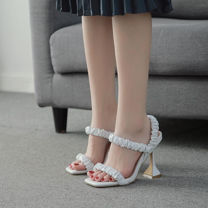 Kadın sandalet nefes iki aşınma büyük boy 2021 kadın strappy topuklu tüm maç kızlar büyük elastik bant moda bej com elbise ayakkabı