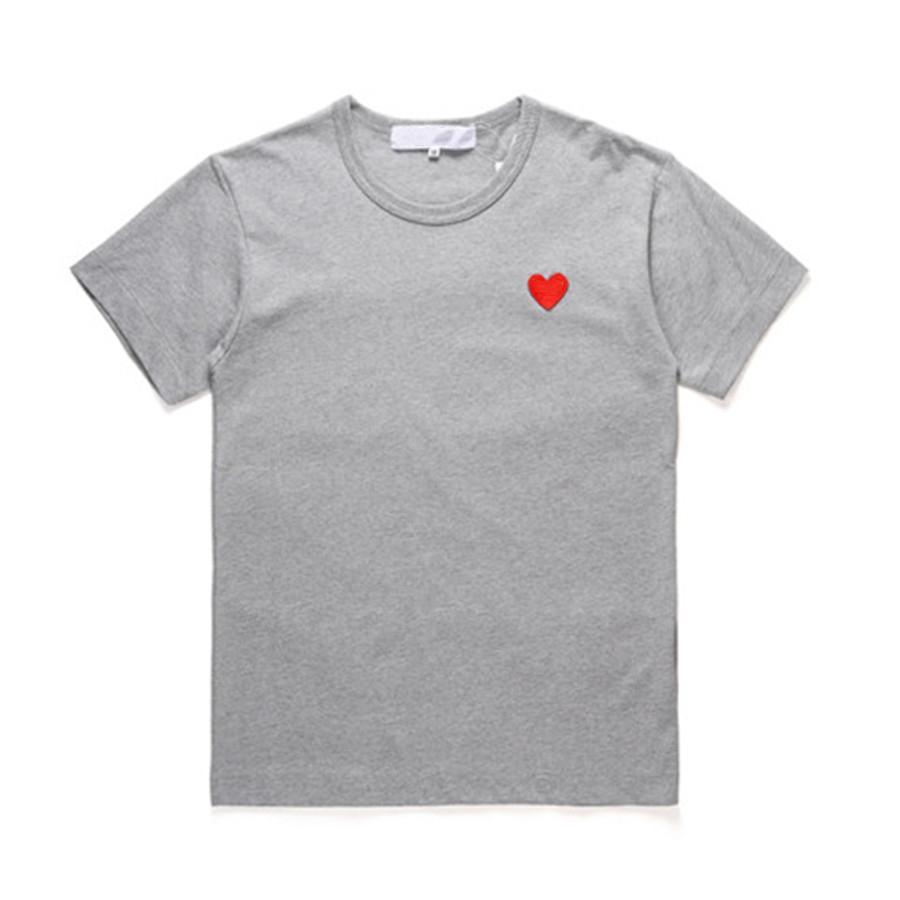 클래식 플레이 유니섹스 티셔츠 # P019 여름 반팔 패션 티셔츠 하라주쿠 고급 스러움 스타일리스트 심장 패턴 남성 여성 디자이너 CDG 캐주얼 힙합 탑스
