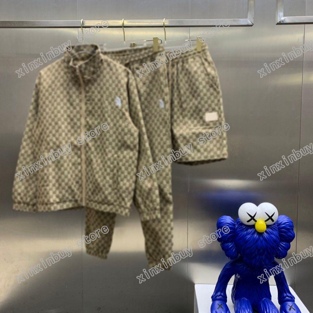 21SS Uomo Stampato Giacca Designer Parigi Doppia lettera Jacquard Weave Abbigliamento Manica corta Mens Camicia Tag Bianco nero 06