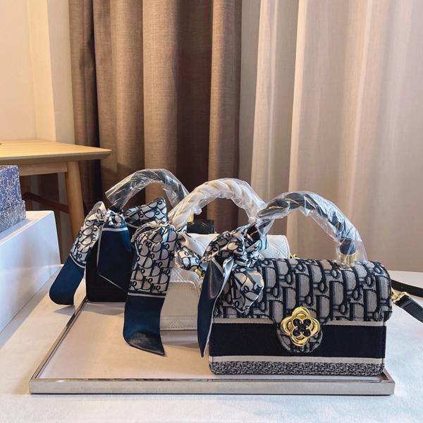 2021 العلامة التجارية مصمم حقيبة الكتف المرأة الأزياء الفاخرة أعلى جودة الجلود المعينية نمط المحمولة الصليب أكياس مع مربع وشاح حجم 20 * 8 * 13 سنتيمتر
