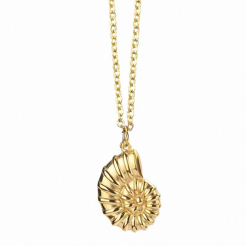 قلادة الرجال قلادة الرجال الطويلة القواقع الفولاذ المقاوم للصدأ سلسلة أزياء الذهب 2021 مجوهرات على الرقبة الملحقات القلائد