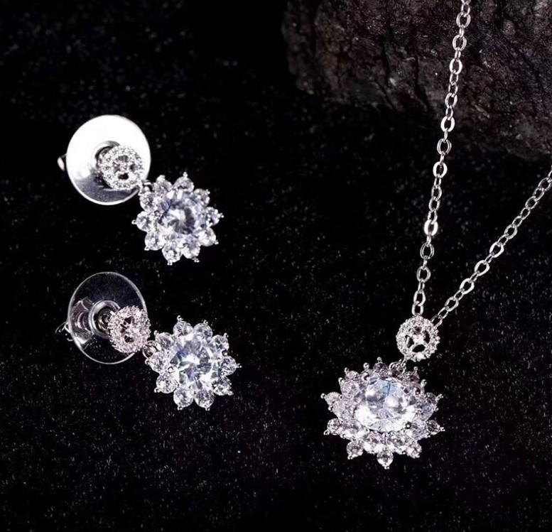 S925 Sterling Silver Stud Earrings Zircon Crystal Snowflake Necklace Earrings Set Shiny Fashion Accessories 032108