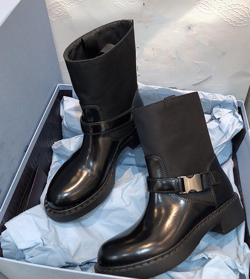 2021 Bottines pour femmes Bottines d'hiver Boucle de boucle de la boucle de la boucle de la mode de la mode en cuir brossé Bottes de qualité supérieure de qualité avec boîte