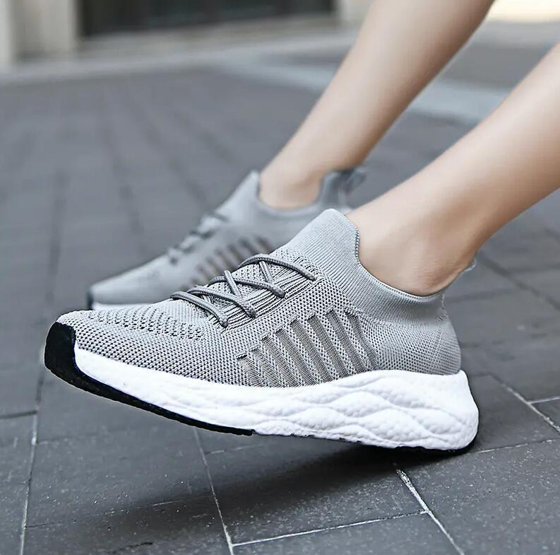 Nefes Sneakers Ayakkabı Nefes Deri Yüksek Kaliteli Örgü Erkekler Indirim PU Eğitmen Rahat Yürüyüş Beyaz Siyah EU39-44