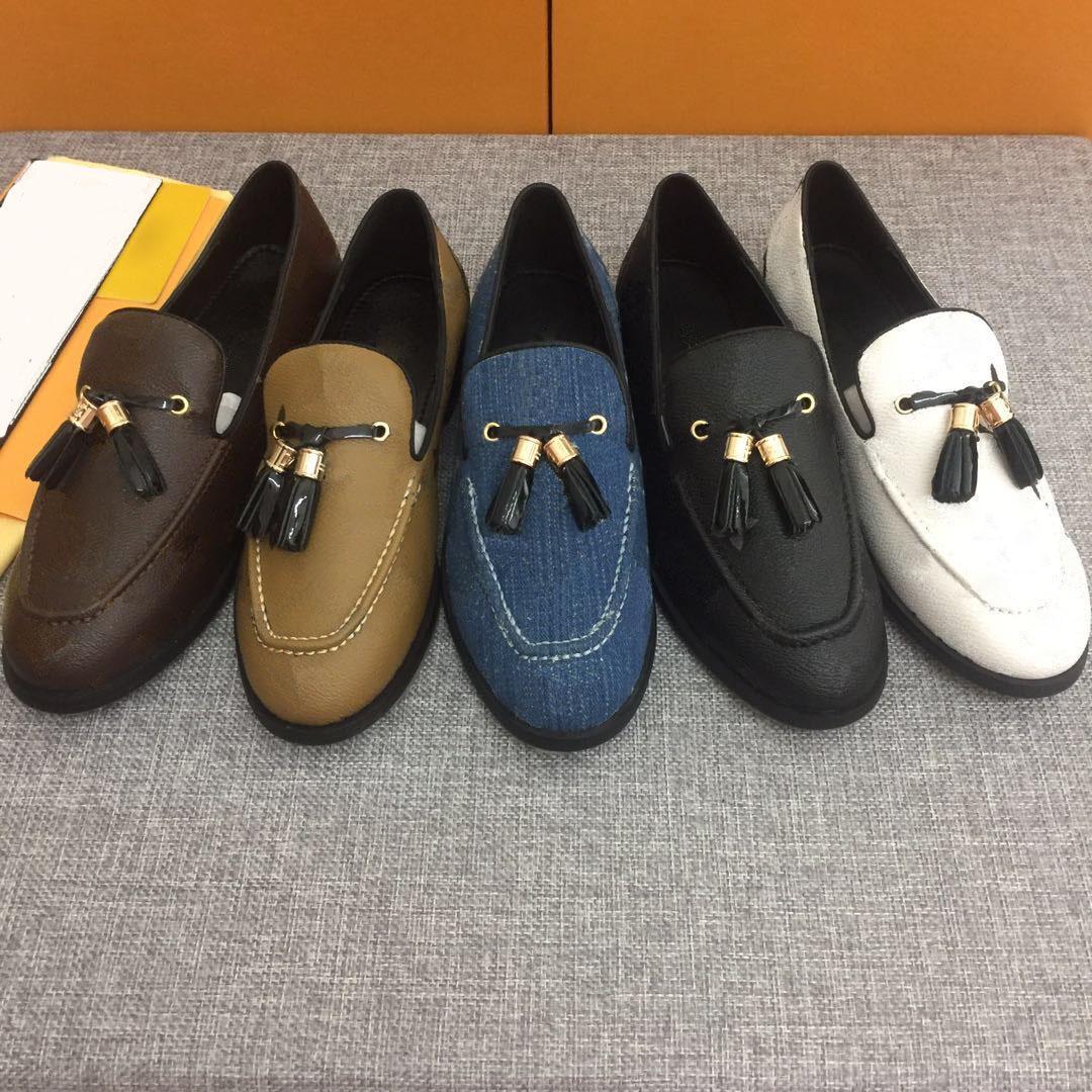 Scarpe classiche Casual Designer Shoes Real Leather Sneakers Sneakers Mocassini Lace Up Low Top Moda Donna Dress Shoes Trainer con box Dimensione 35-41