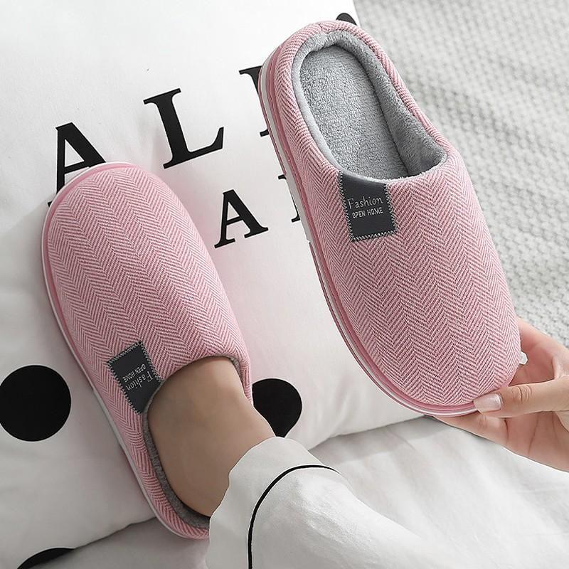 Zapatillas de mujer invierno casa cálida casa suave antideslizante aplastamiento zapatos de algodón hombres amantes dormitorio damas niñas niños lindo piel
