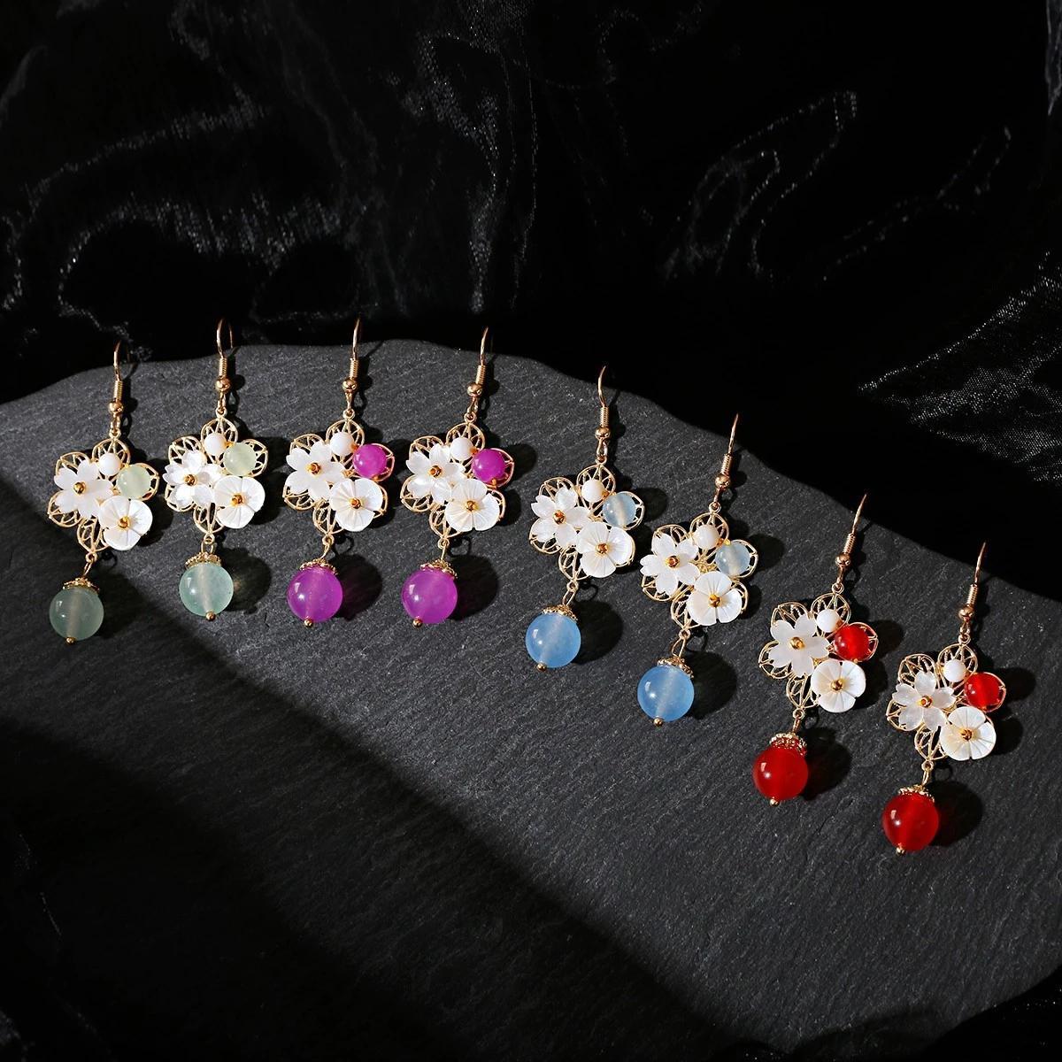خمر بوهو الأزياء قلادة أقراط فاخرة أبيض المرجان صغير زهرة شكل الديكور حبة الطبيعية أقراط مجوهرات هدايا